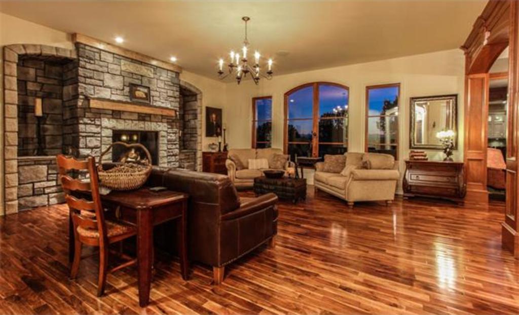 242245 Chinook Arch Lane Calgary Luxury Real Estate